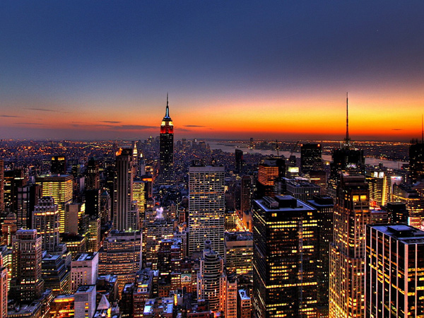 New york city 5 attractions only available in december for Traveling to new york in december