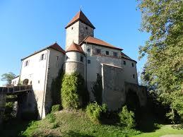 Play golf at Burg Wernberg.